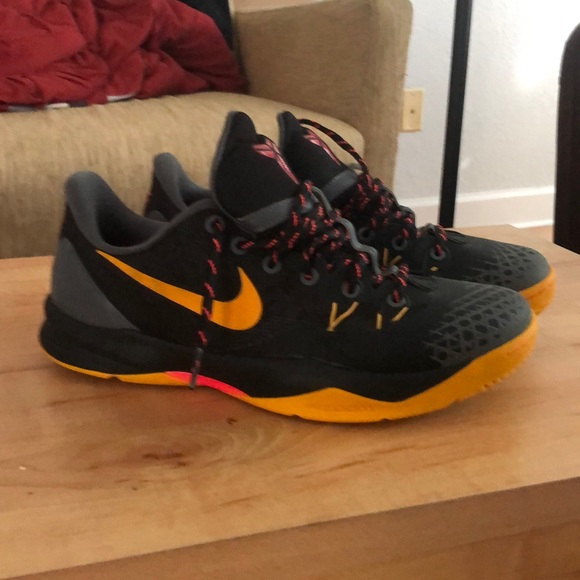 Nike Other - Nike Zoom Kobe Venomenon 4